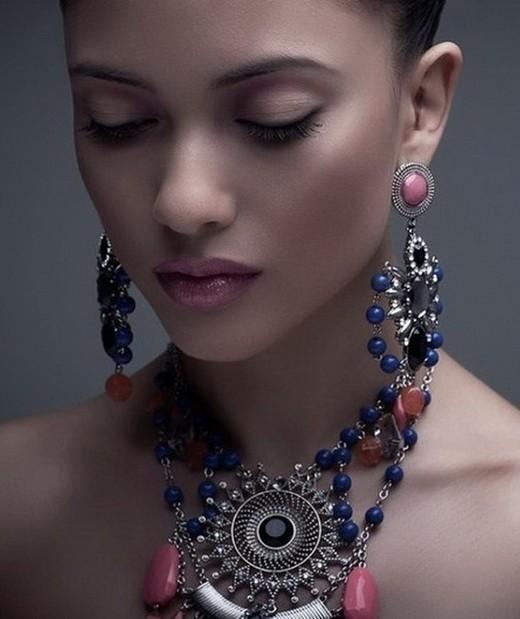 Женские ювелирные украшения