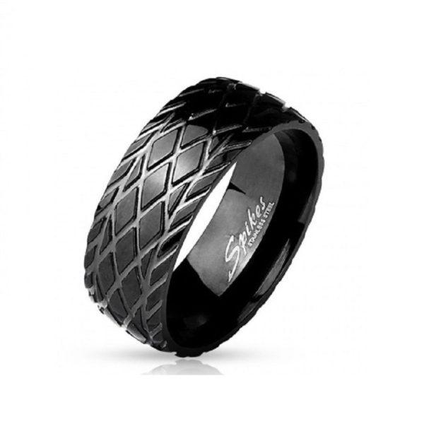 Кольцо черное с рисунком протектора шины