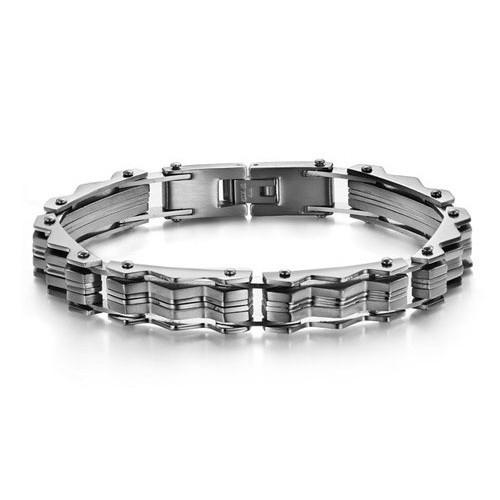 Брутальный мужской браслет с острыми элементами