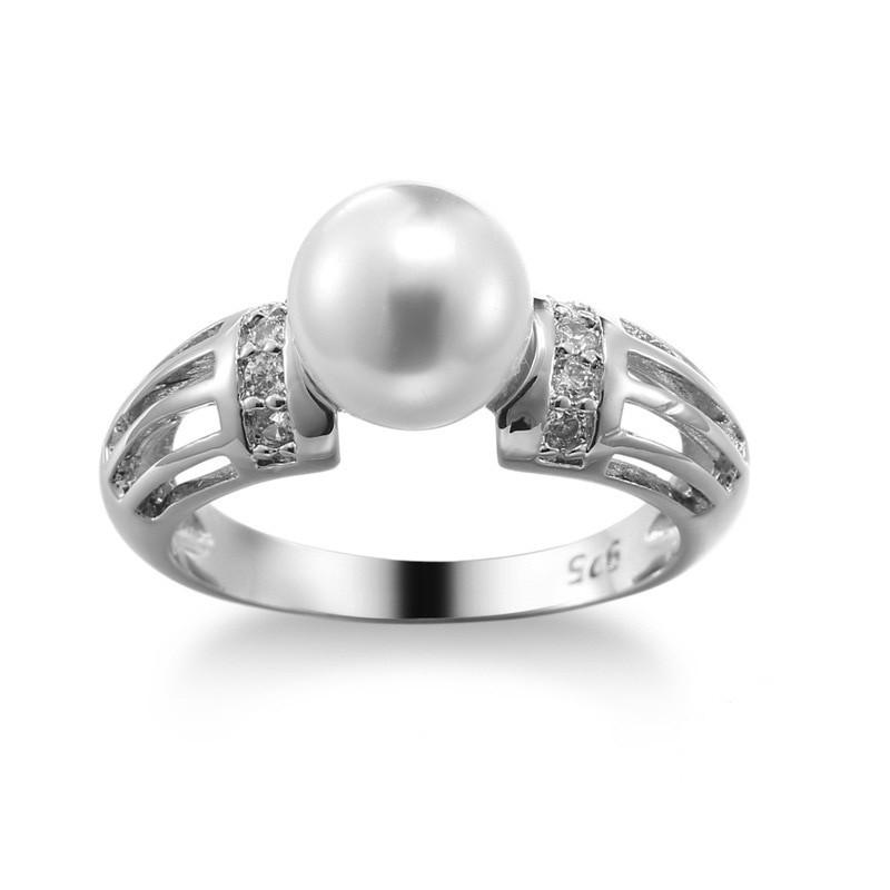 Серебряное женское кольцо с жемчугом