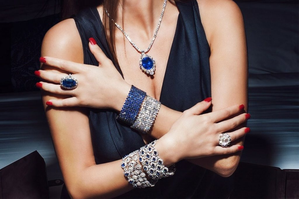 Красивые женские украшения