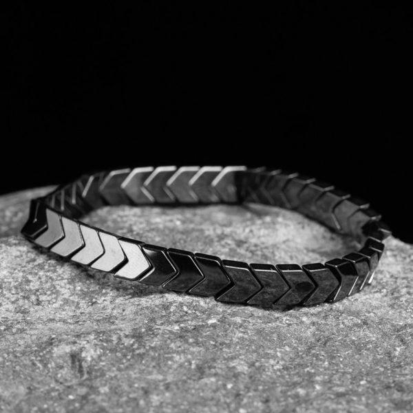 Магнитный браслет темно-серого цвета