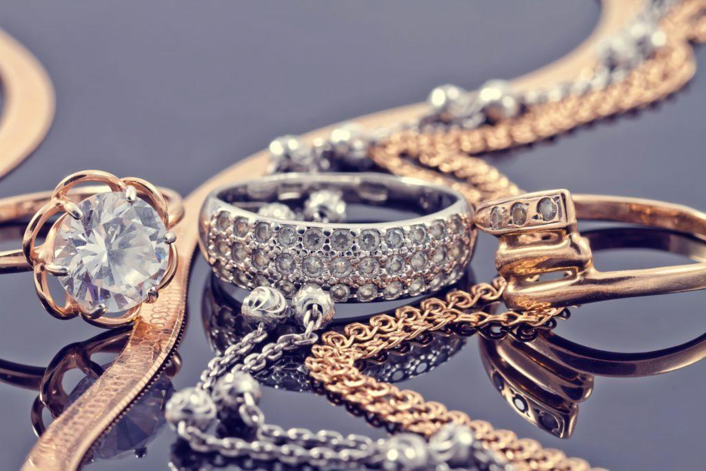 Украшения из золота и серебра
