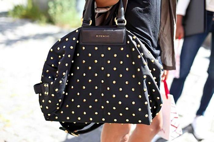 Красивая черная женская сумочка в крупный горошек