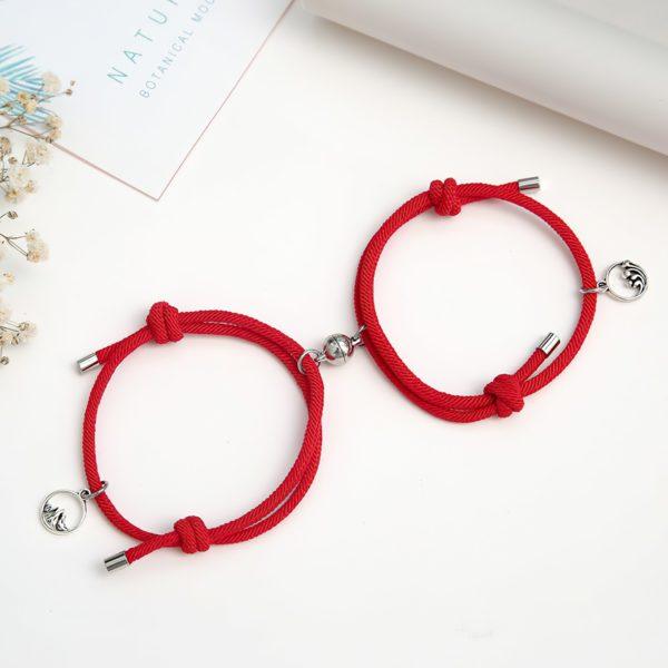 Красивые красные браслеты для двоих