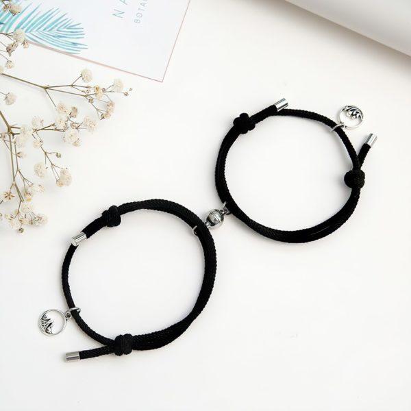 Черные браслеты для влюбленных с магнитами
