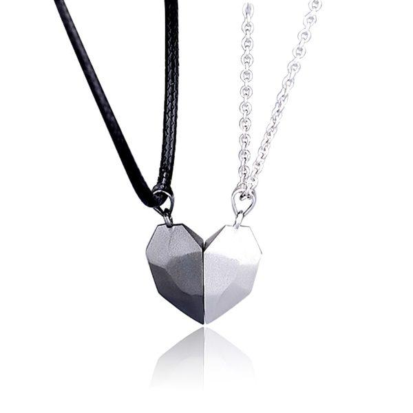 Парный кулон в виде половинок сердца с магнитами