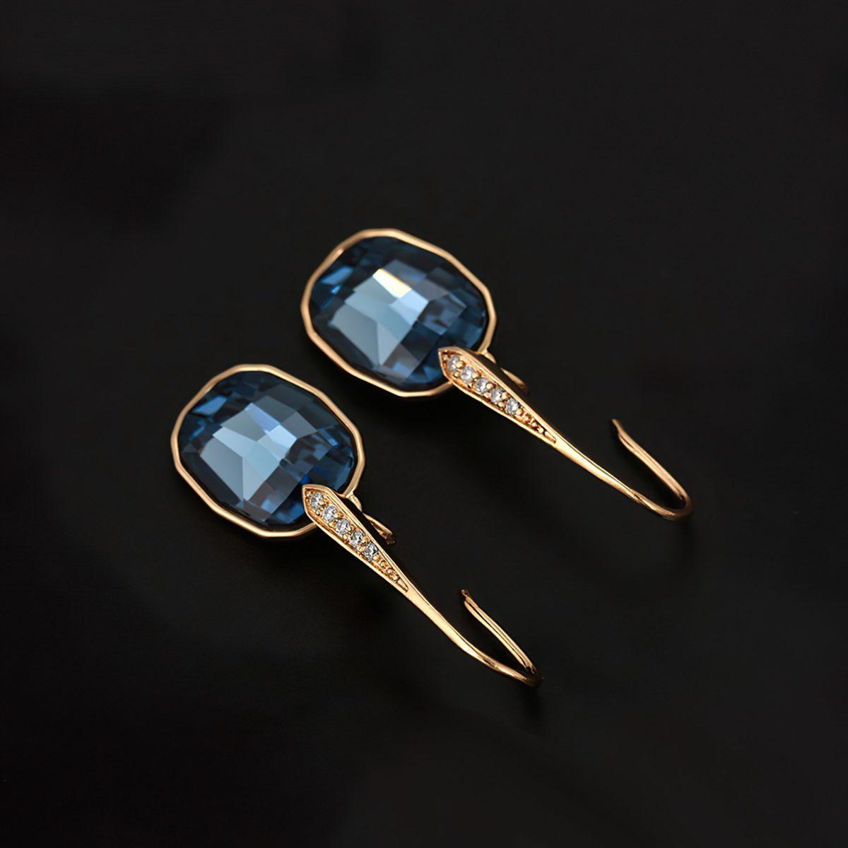 Роскошные серьги с синими кристаллами